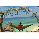 NatureFun Hamac camping voyage ultra léger | Capacité de chargement de 300kg, (300 x 140 cm) resprant, nylon parachute séchage rapide | 2 x Premium Carabiners, 2 x elingues en nylon compris | pour extérieur, intérieur, jardins de la marque NATUREFUN image 3 produit