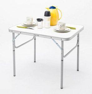 Table pliante en aluminium et plastique à usage universel - 75cm de long x 55cm de large x 60cm de haut - Avec vis de réglage pour ajustement - Seulement 2,6kg– Pliable, avec poignée de transport, résiste aux intempéries et stable - Pour le camping, l image 0 produit